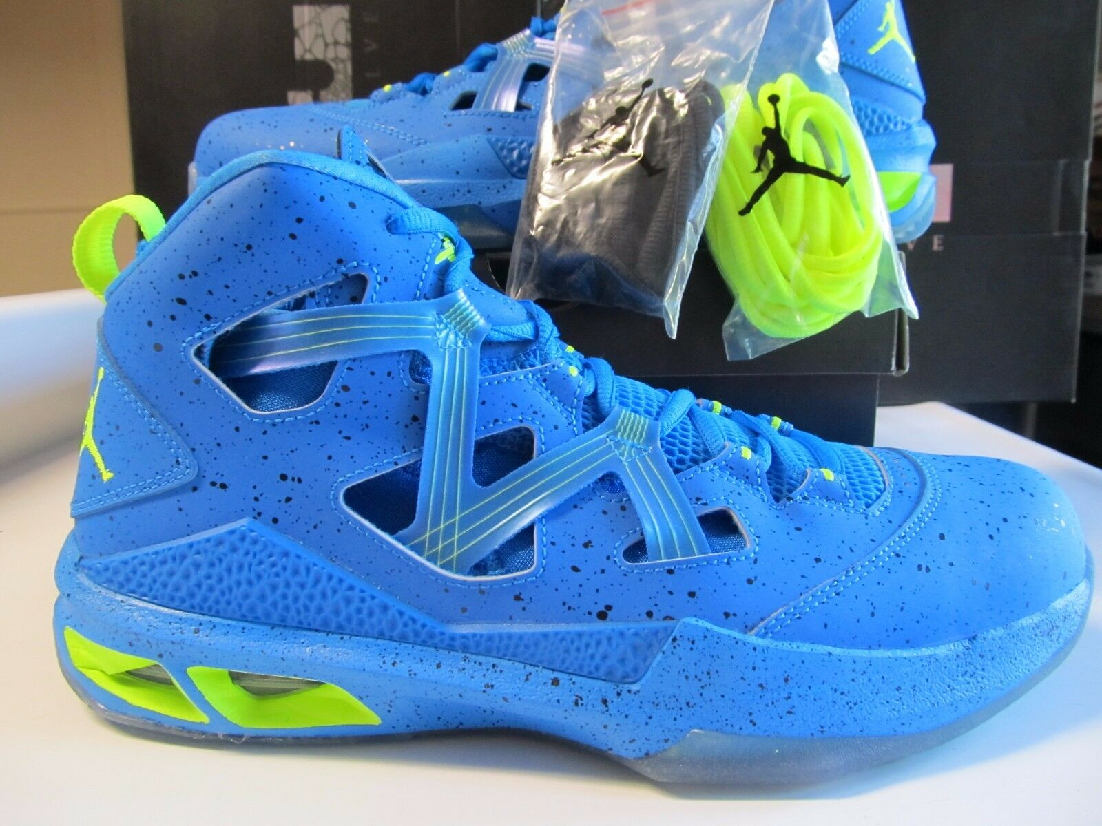 DS Nike Air Jordan Melo M9 BHM BLACK HISTORY MONTH Blue Green 579592 423 retro