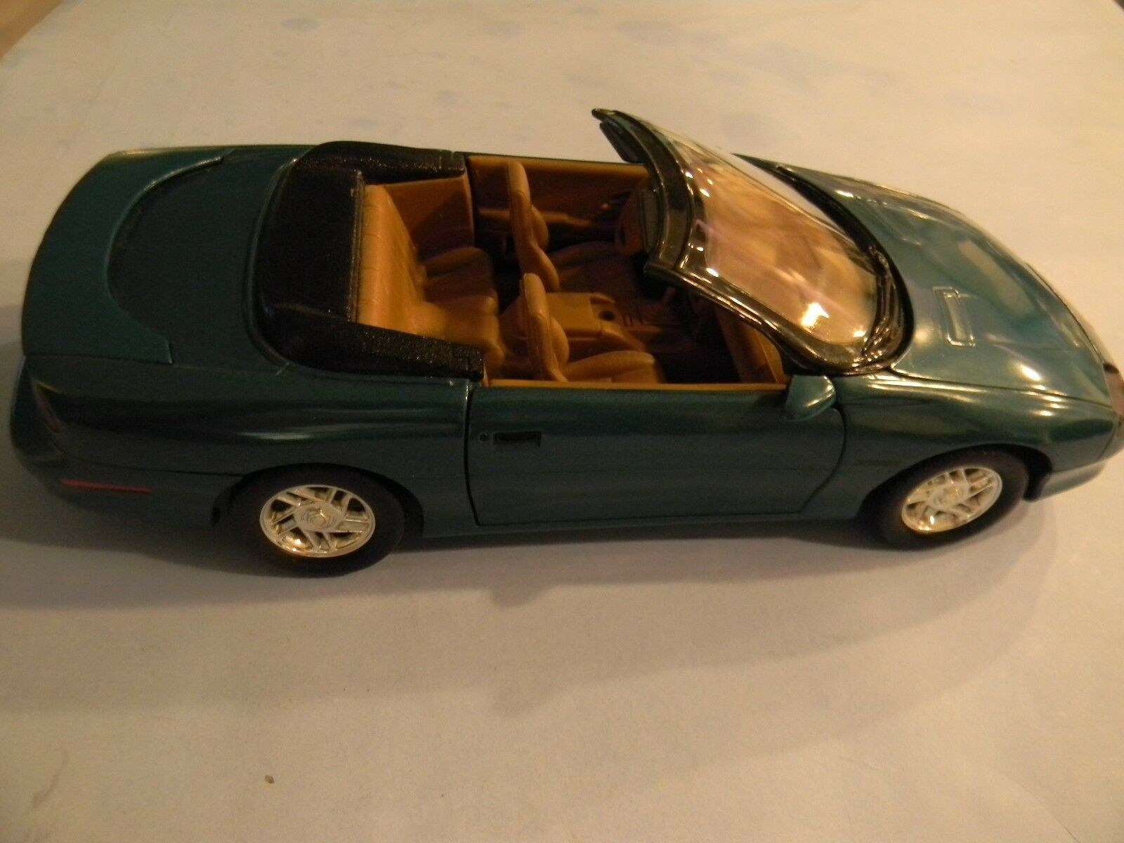 1 18 Scale American Muscle 1996 Camaro Z28 Congreenible