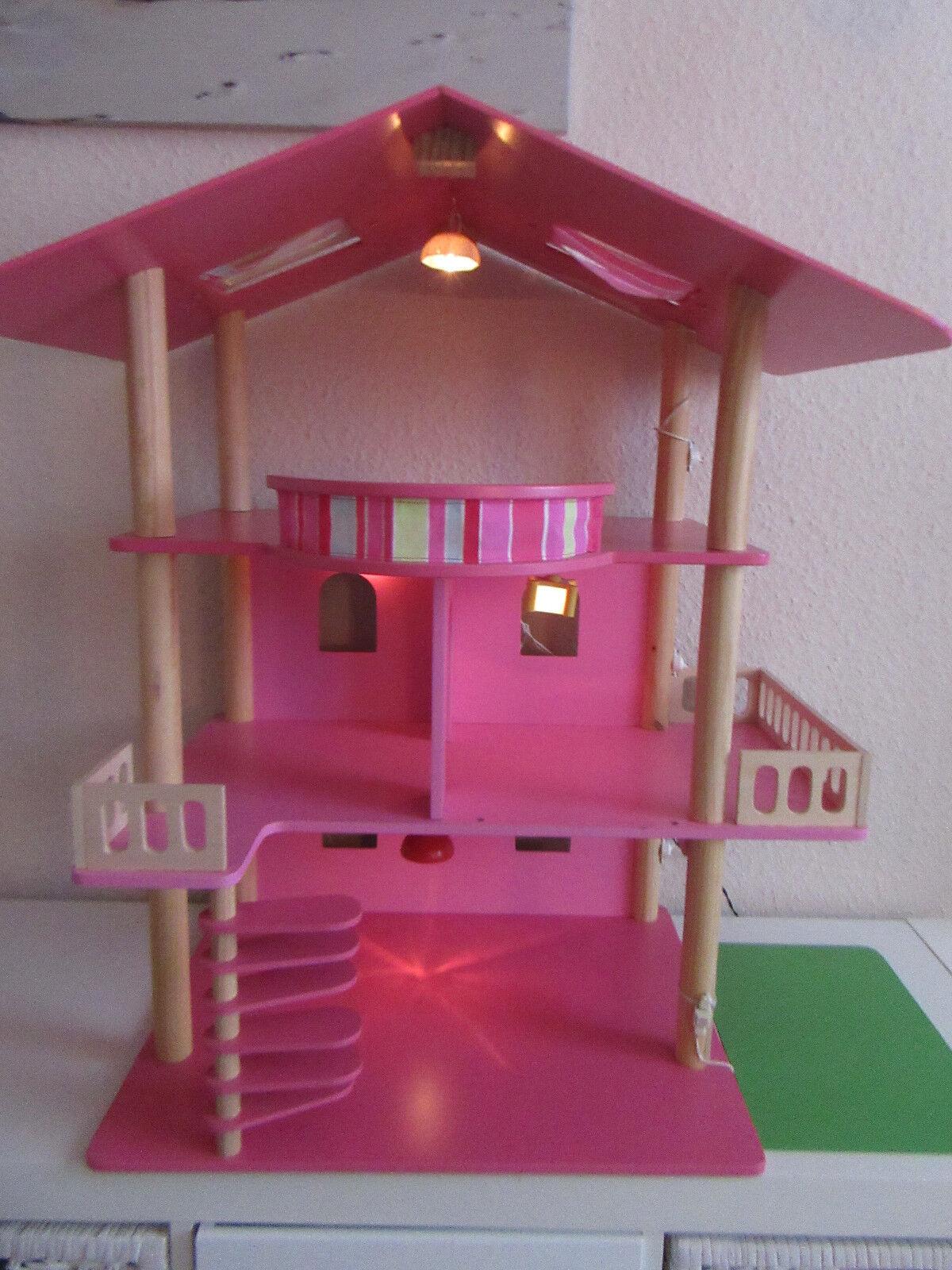 Puppenhaus aus Holz mit elektrischer Beleuchtung und Klingel
