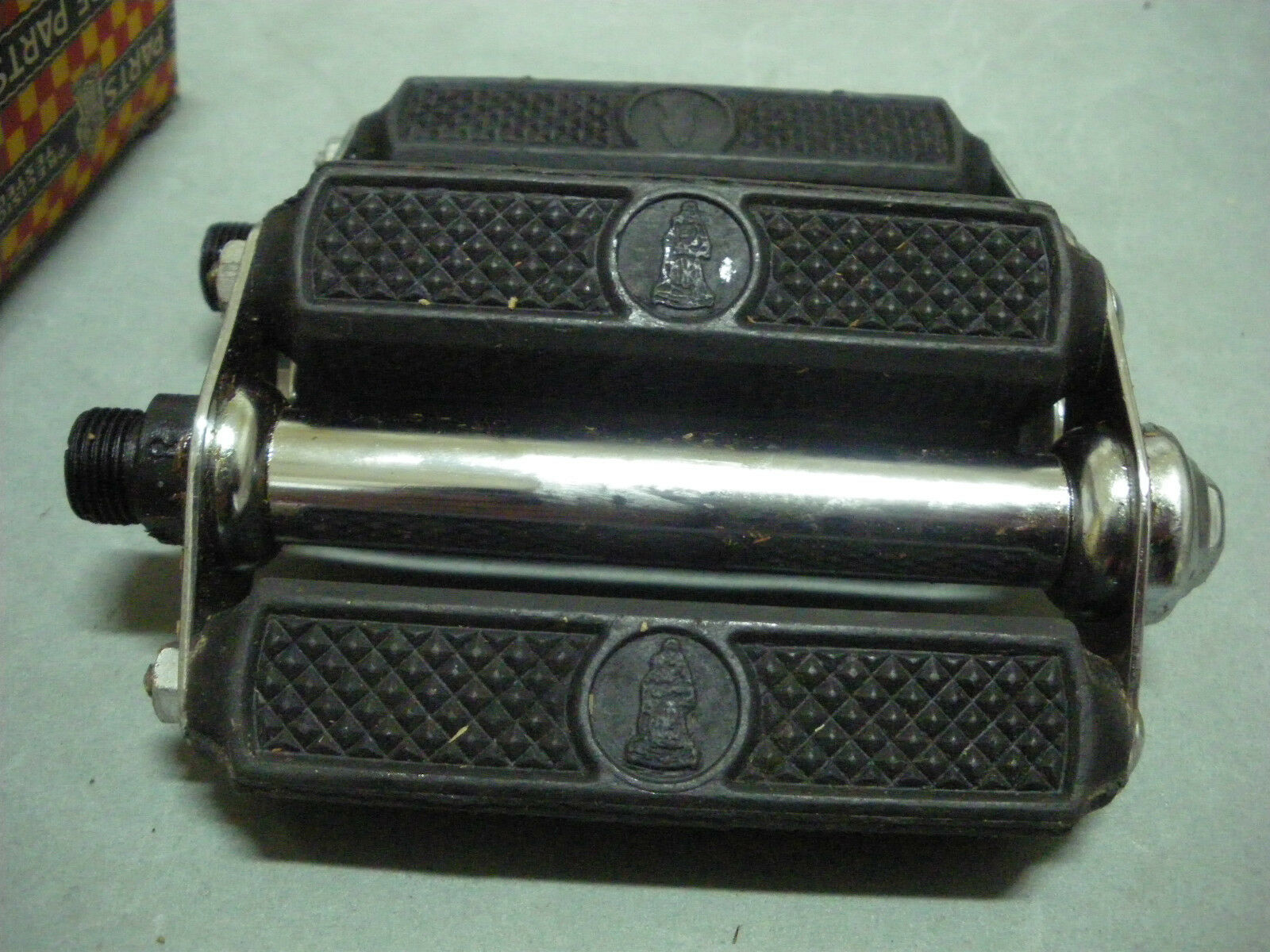 Vintage Raleigh Bike Bicycle  Pedals with logo  4  - 9 16  Axle NOS 1950s  online discount