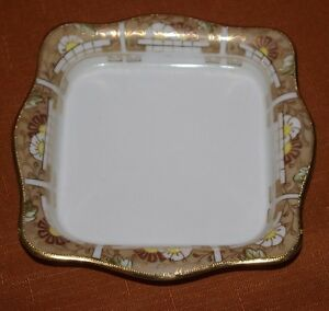 NIPPON-SQUARE-NUT-PIN-DISH-FINE-CHINA-HAND-PAINTED-MORIAGE-GOLD-GILT-5-1-4-SQ