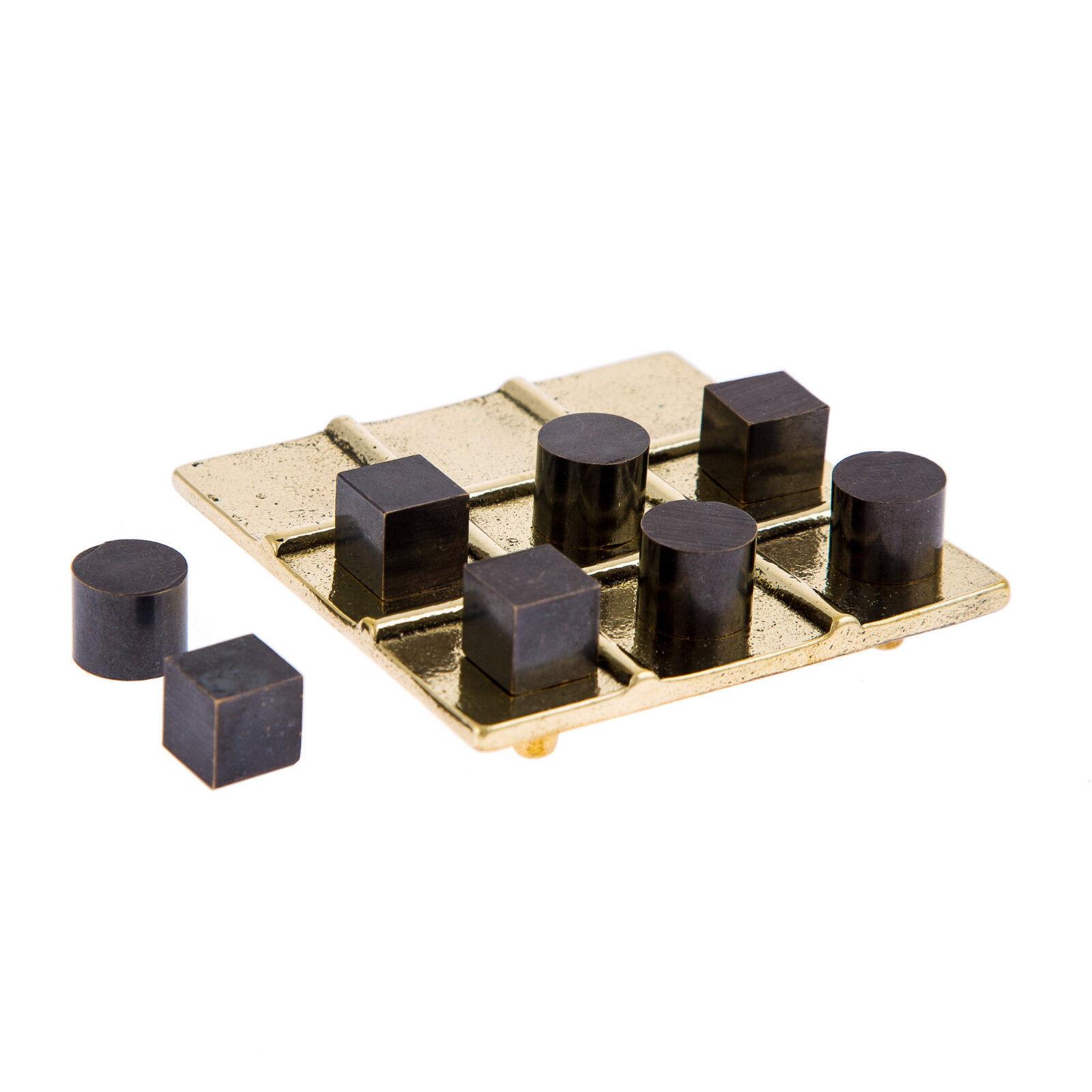 Tic Tac Toe Board Game - Decorative Handmade Bronze Metal Ornament- Gold & schwarz
