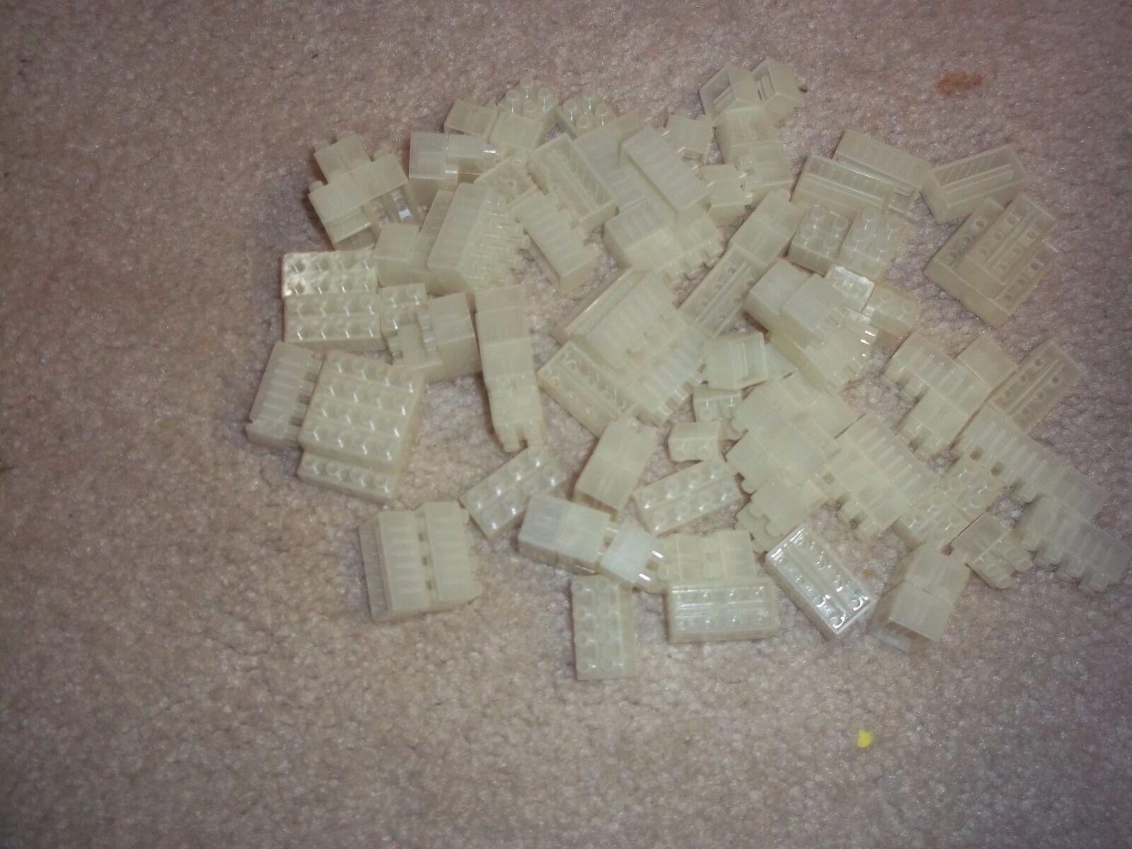Muy poco común  122 piezas brillan en la oscuridad Lote de Brix Blox - 1970s