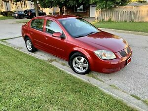 2010 Pontiac G5 Low  KM only (140,900) KM Safetied