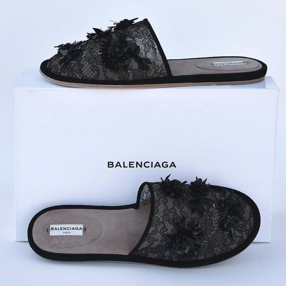 Balenciaga New sz 40 - 9.5 Runway Embroidered Lace Slippers Flats Slides Scarpe