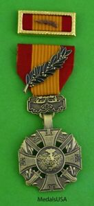 Vietnam-Gallantry-Cross-with-palm-Medal-amp-Army-Unit-Citation-Ribbon