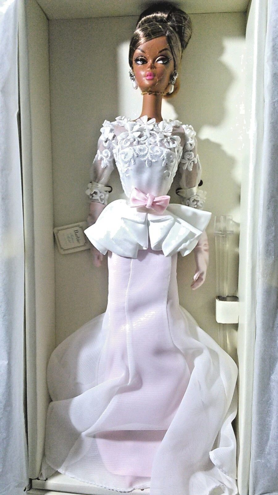 BARBIE EVENING GOWN SILKSTONE NRFB - oro LABEL new model doll collection Mattel