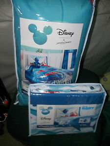 Disney-Finding-Dory-64-039-039-x86-039-039-reversible-comforter-Twin-with-sheets-New