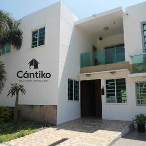 Casa en venta en Coto Privado Rinconada del Valle Manzanillo
