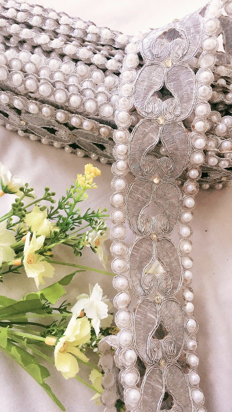 INDIAN WIDE NET SILVER PEARL /& CRYSTAL FLOWERS BORDER TRIM//LACE-sold by METRE