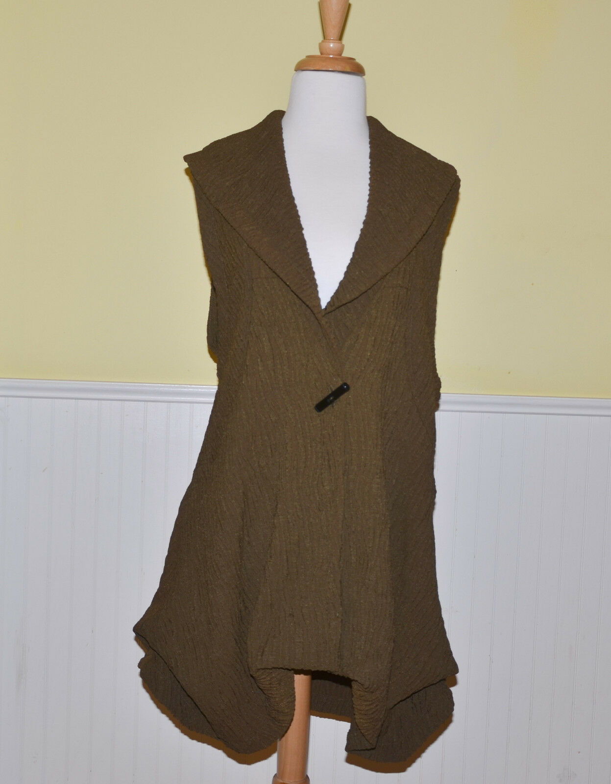 Connies Moonlight womens vest new olive green color high fashion NWT