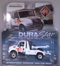 GREENLIGHT 1:64 SCALE CUSTOM WHITE INTERNATIONAL DURASTAR 4400 TOW TRUCK