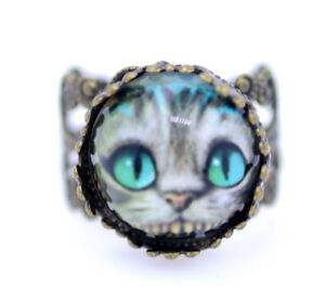 Ornate-adjustable-Cheshire-cat-ring-Alice-in-Wonderland