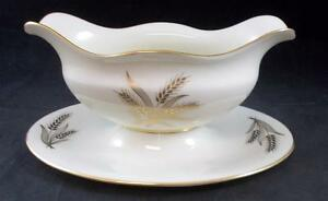 Lenox-HARVEST-Gravy-Boat-with-Attached-Underplate-R441-GREAT-CONDITION