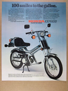1982 Honda Urban Express Deluxe Scooter Color Photo Vintage Print Ad