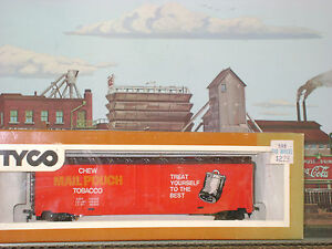 TYCO-MAIL-POUCH-TOBACCO-50-039-PLUG-DOOR-BOX-CAR-HO-Scale-Trains-mint