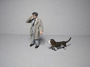 2-FIGURINES-1-43-SET-349-COLUMBO-PETER-FALK-VROOM-POUR-PEUGEOT-403