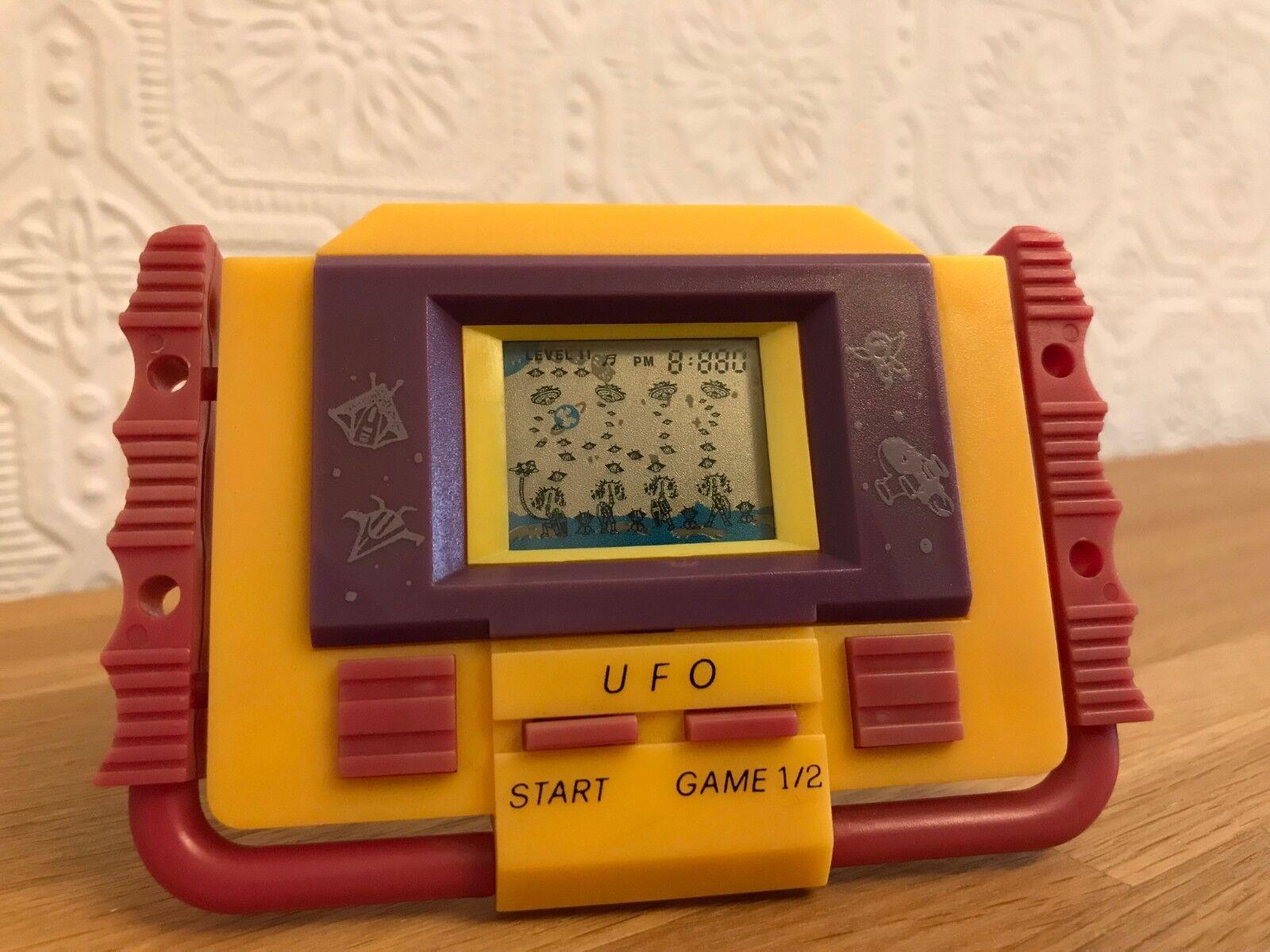 Vintage década de 1990 UFO LCD portátil electrónica Juego En Excelente Estado