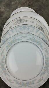 4-Vtg-WHITE-Blue-Mismatched-China-Dinner-Plates-Shabby-Chic-Wedding-Pretty-DPAD