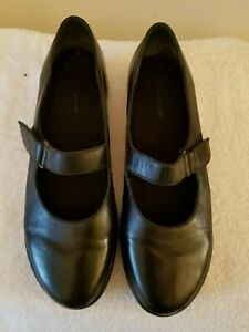easy-spirit-womens-sz9-5-shoes-black-leather-mary-janes-rip-tape-strap-flats