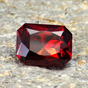 MALAIA-GARNET-E-AFRICA-4-12Ct-CLARITY-SI2-P1-HONEY-ORANGE-COLOR-BEAUTIFUL-GEM