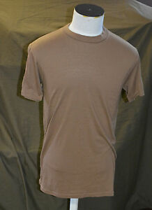 Used-Canadian-army-brown-t-shirt-size-medium-box-140et69