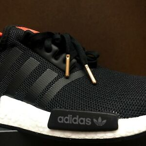 426ed14de4554 Sz 3.5-7 ADIDAS Boys NMD R1 J Black White Red B42087
