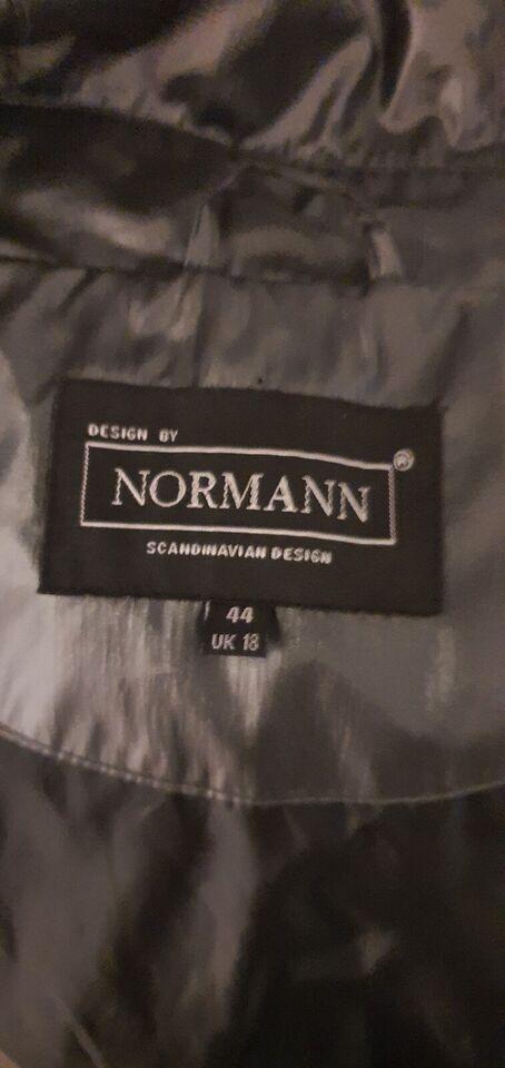 Regnjakke, str. 44, Normann