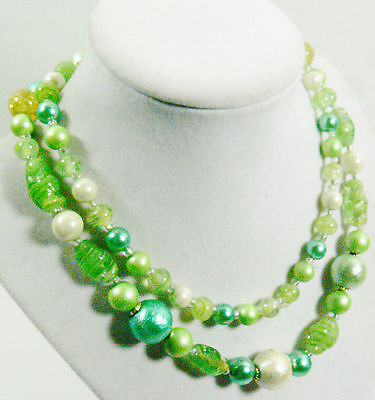"VINTAGE MULTI COLOR LIGHT GREEN SPECKLED GLASS PLASTIC BEADS NECKLACE 31""L"