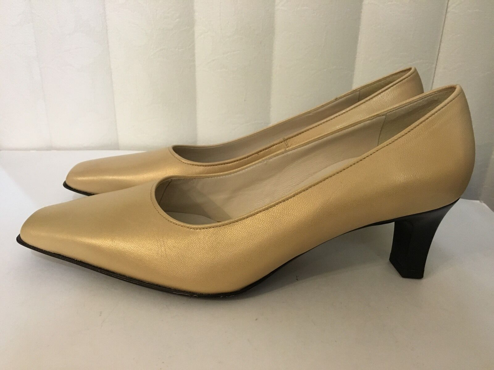 Rene By By By ARA or Leather Classic Cushioned Slim Heel chaussures Taille 7 (4.5) 9a26cb