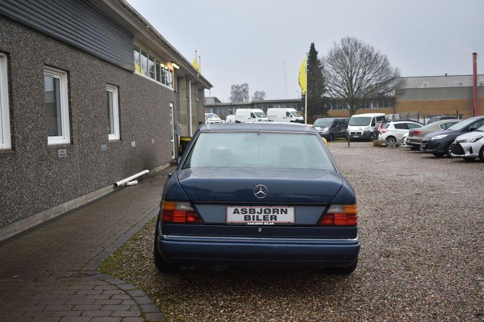 Mercedes 300 E-24 3,0 Limousine aut. Benzin aut.