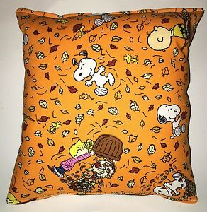Charlie-Brown-Pillow-Snoopy-Peanuts-Leaves-Harvest-Fall-Pillow-Fall-Harvest-USA