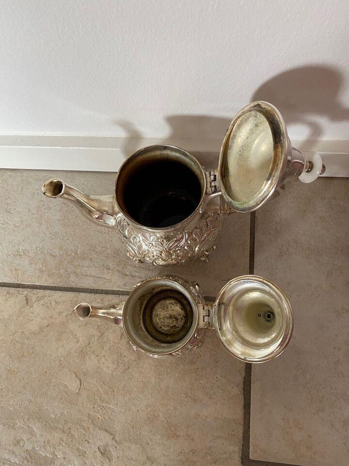 1001 nats eventyrlig te sæt i sølv, Sølvplet, 55 år gl.