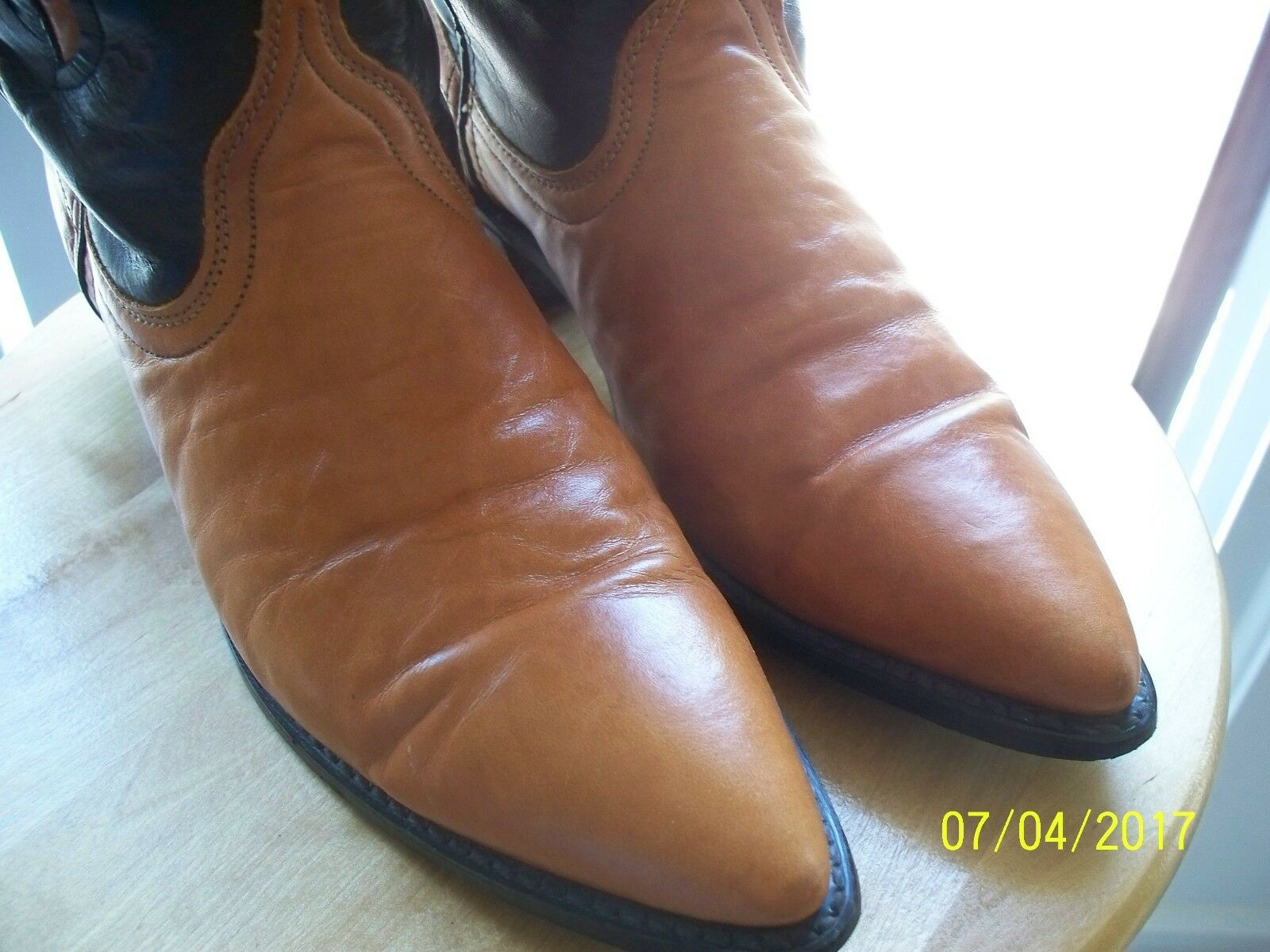 Vtg highly Dingo 8 M BLK  Carmel highly Vtg styled western cowboy boots Excellent!  A 1145e4