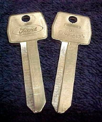 "NOS Ford Mustang T-Bird Torino Rare ""Aluminum"" Small Hole Key Blanks 70 - 80's"