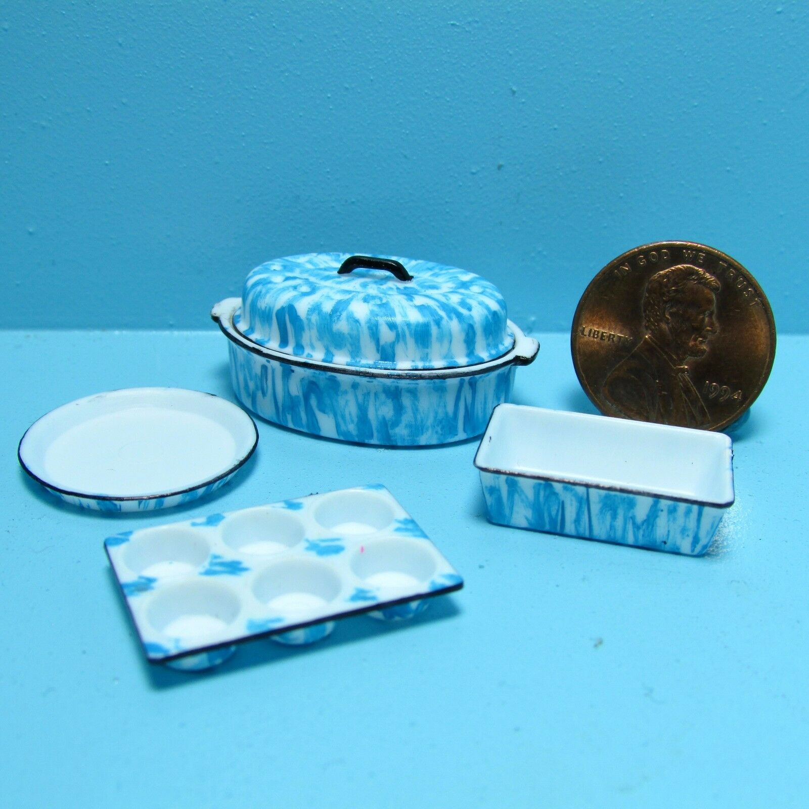 Dollhouse Miniature Kitchen Cookware Set with Blue Spatterware ...