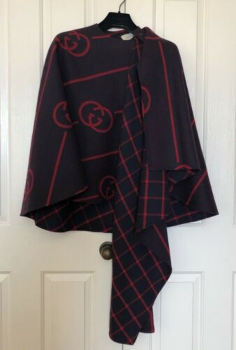 AUTH Gucci Wool Cape Coat With Interlocking G IT38
