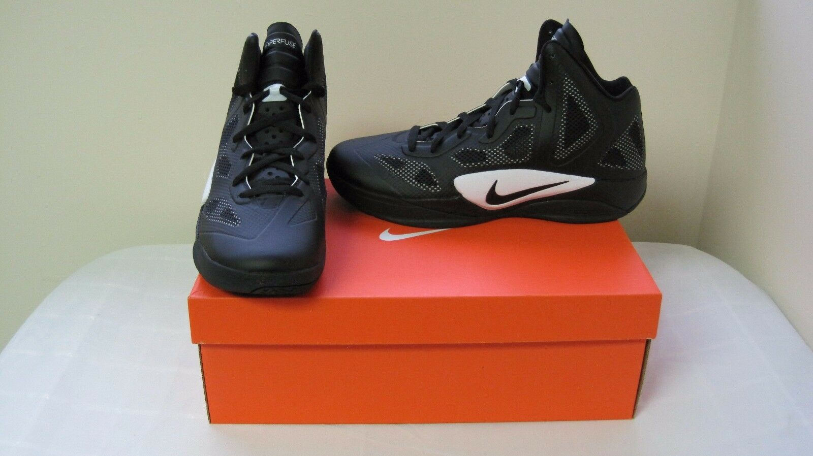 New Men's Nike Zoom Hyperfuse Basketball Shoes 454146-001 Sz 12.5 Blk/Wht 65R-T