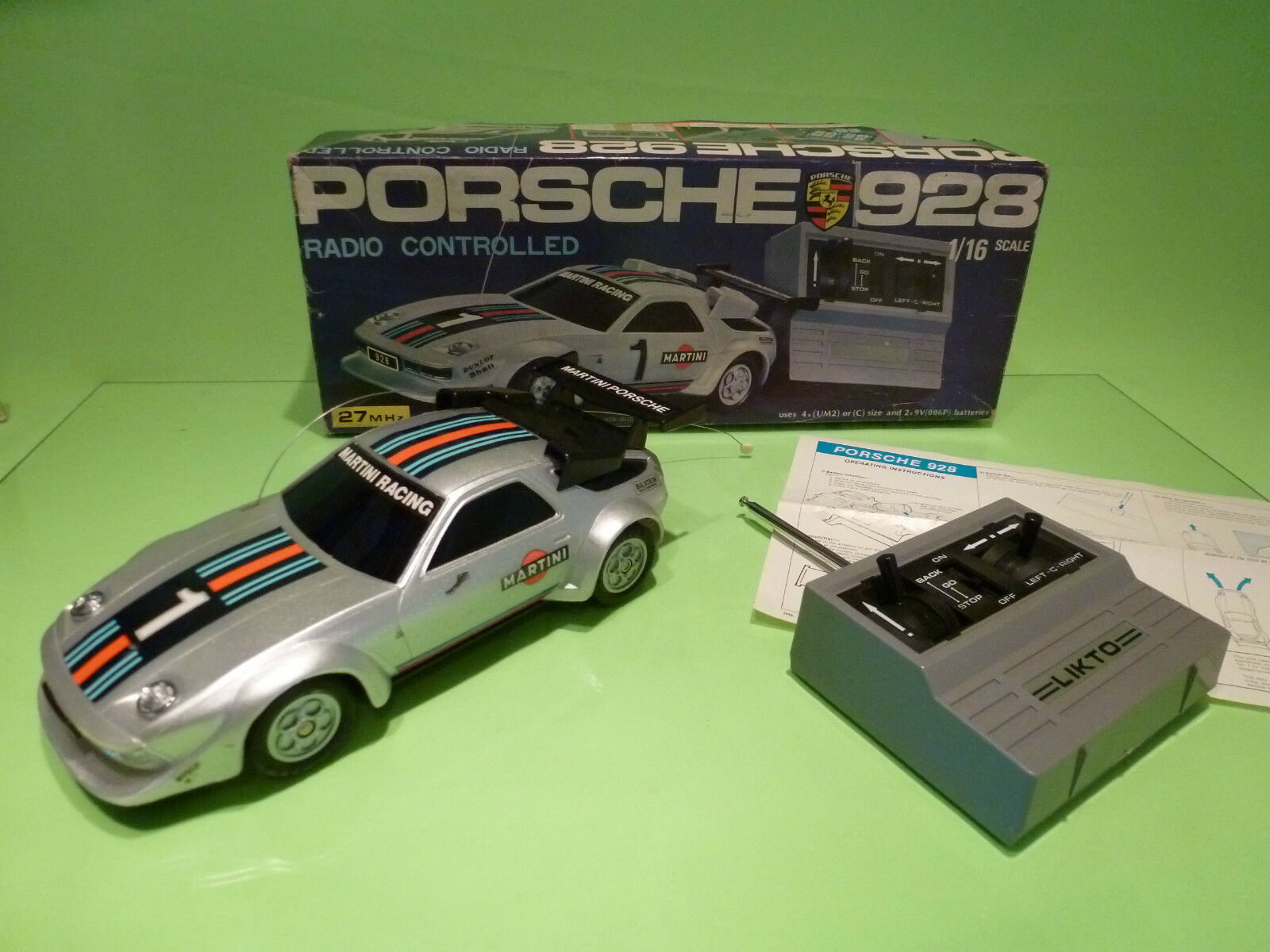 RC RADIO CONTROL 555SC PORSCHE 928 - RALLY blanco 1 16 - EXCELLENT IN BOX -SCHUCO