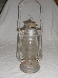 RETRO-VINTAGE-ORIGINAL-PARAFFIN-KEROSENE-LAMP-KWANG-KWA-CHINA