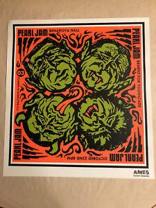 Pearl Jam -- Tour/Concert Poster -- Seattle, Benaroya Hall, 2003 --- Ames Bros. - Kiel, Deutschland - Pearl Jam -- Tour/Concert Poster -- Seattle, Benaroya Hall, 2003 --- Ames Bros. - Kiel, Deutschland