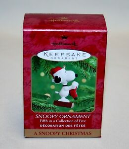 A Snoopy Christmas`2000.Snoopy,5Th In Series,With Comic Strip,Hallmark Ornament