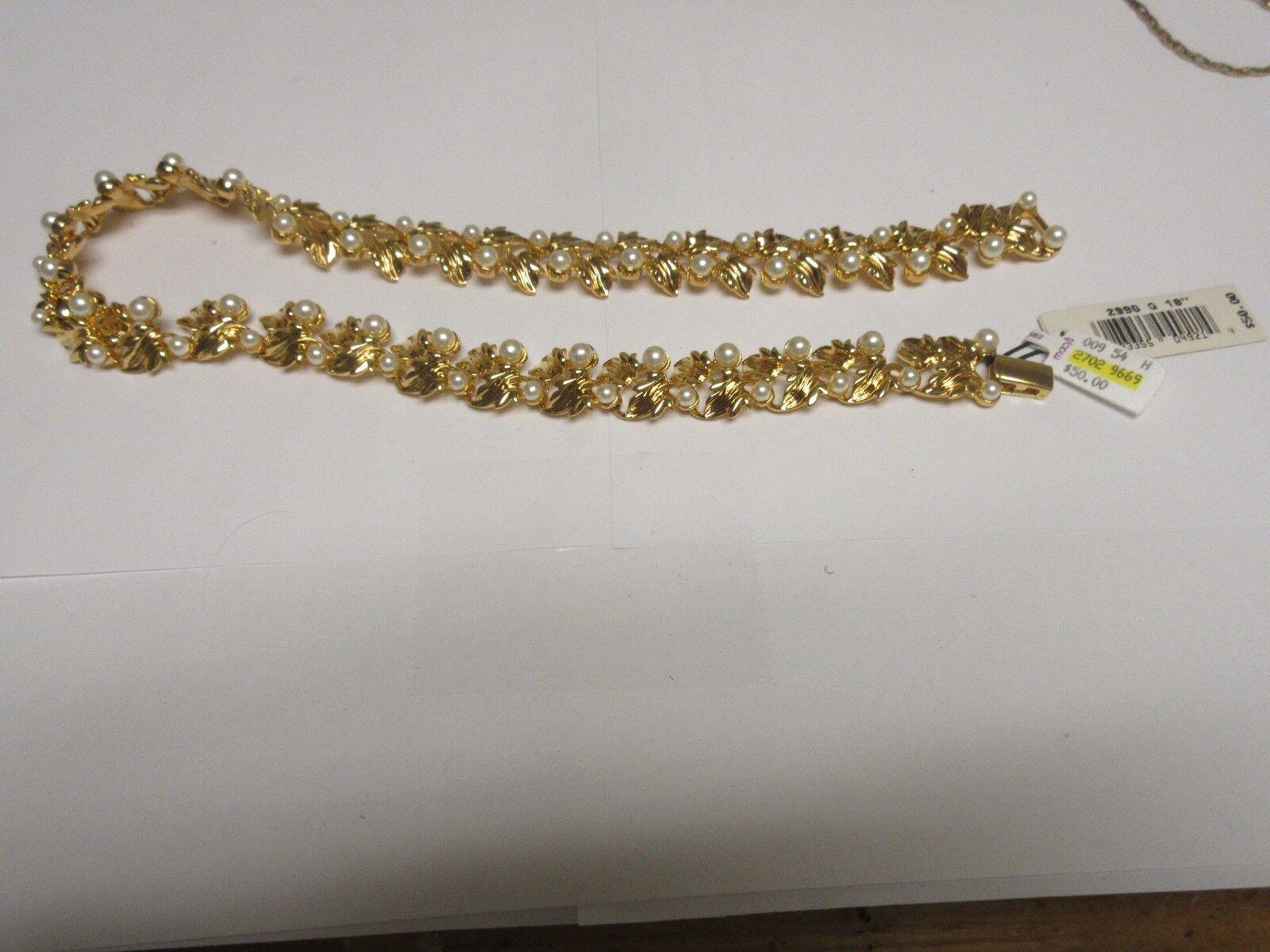 Costume Jewelry , Vintage , Napier , Necklace , Gold /