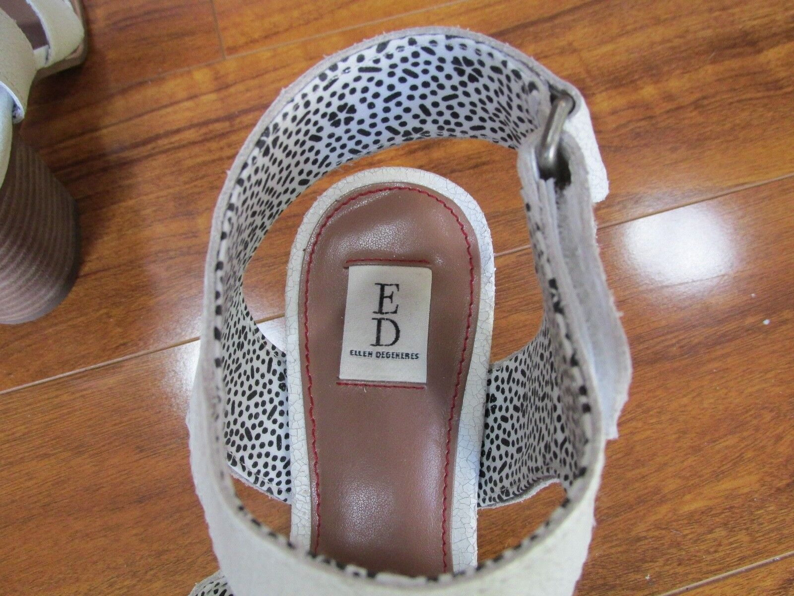NEW ED Ellen Ellen Ellen DeGeneres Tahni 3 Strap Sandals Donna 7.5 Distressed White Pelle 60c284