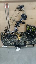 MISSION 2015 CRAZE RIGHT HAND WHITE ZEBRA NIB MATHEWS FULL PACKAGE WITH CASE