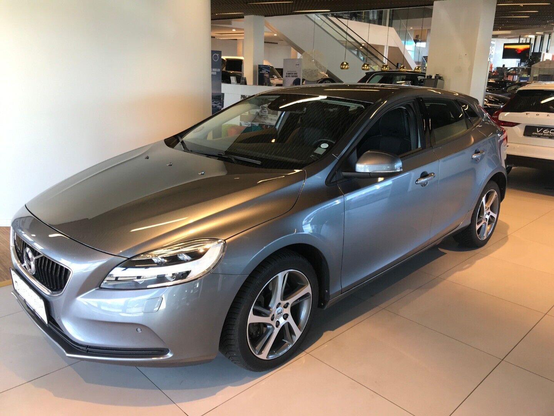 Volvo V40 2,0 D2 120 Momentum aut.
