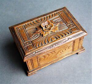 boite à bijoux en bois sculpté