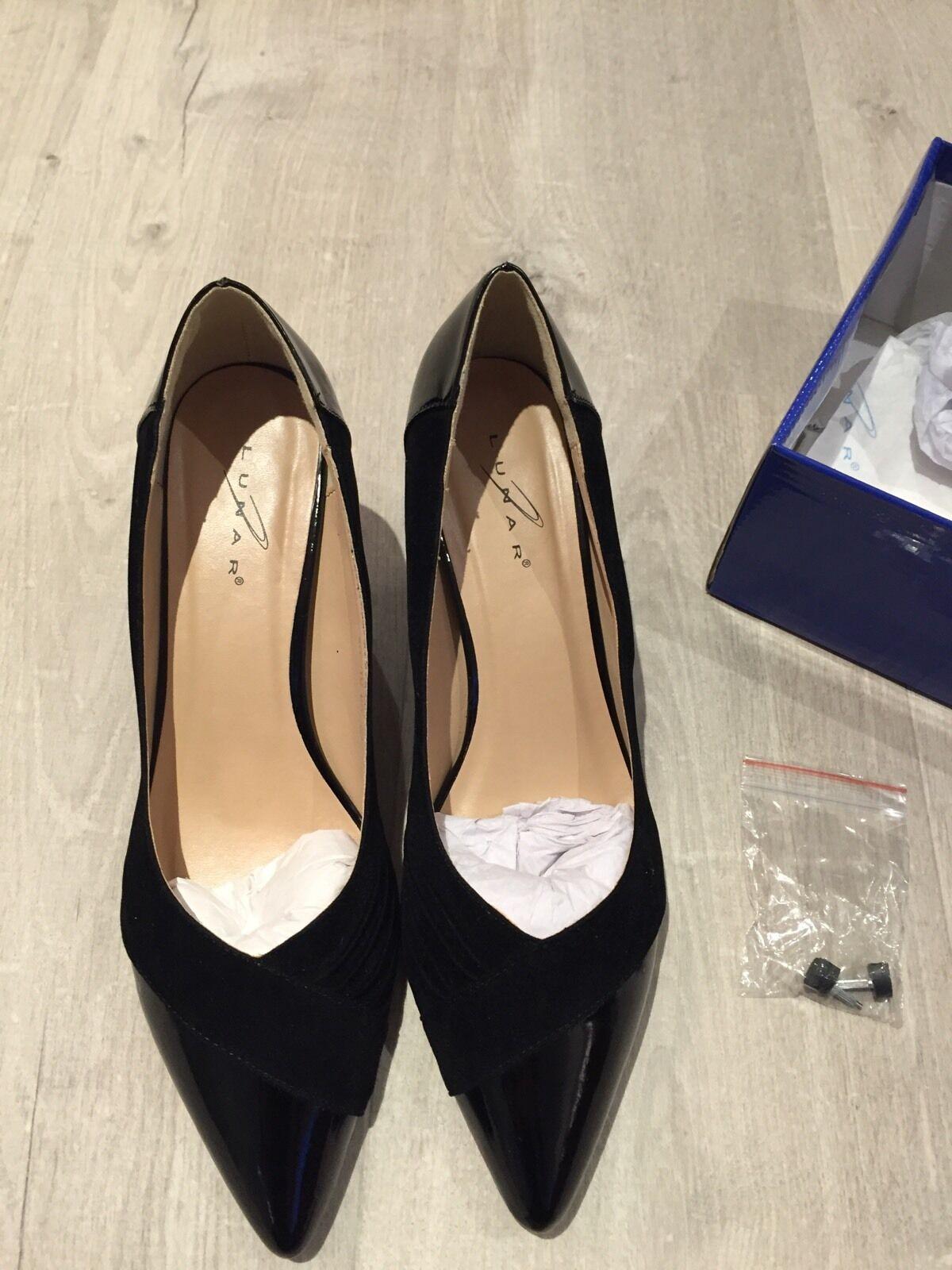 BNIB Ladies Lunar Black shoes - Size 7