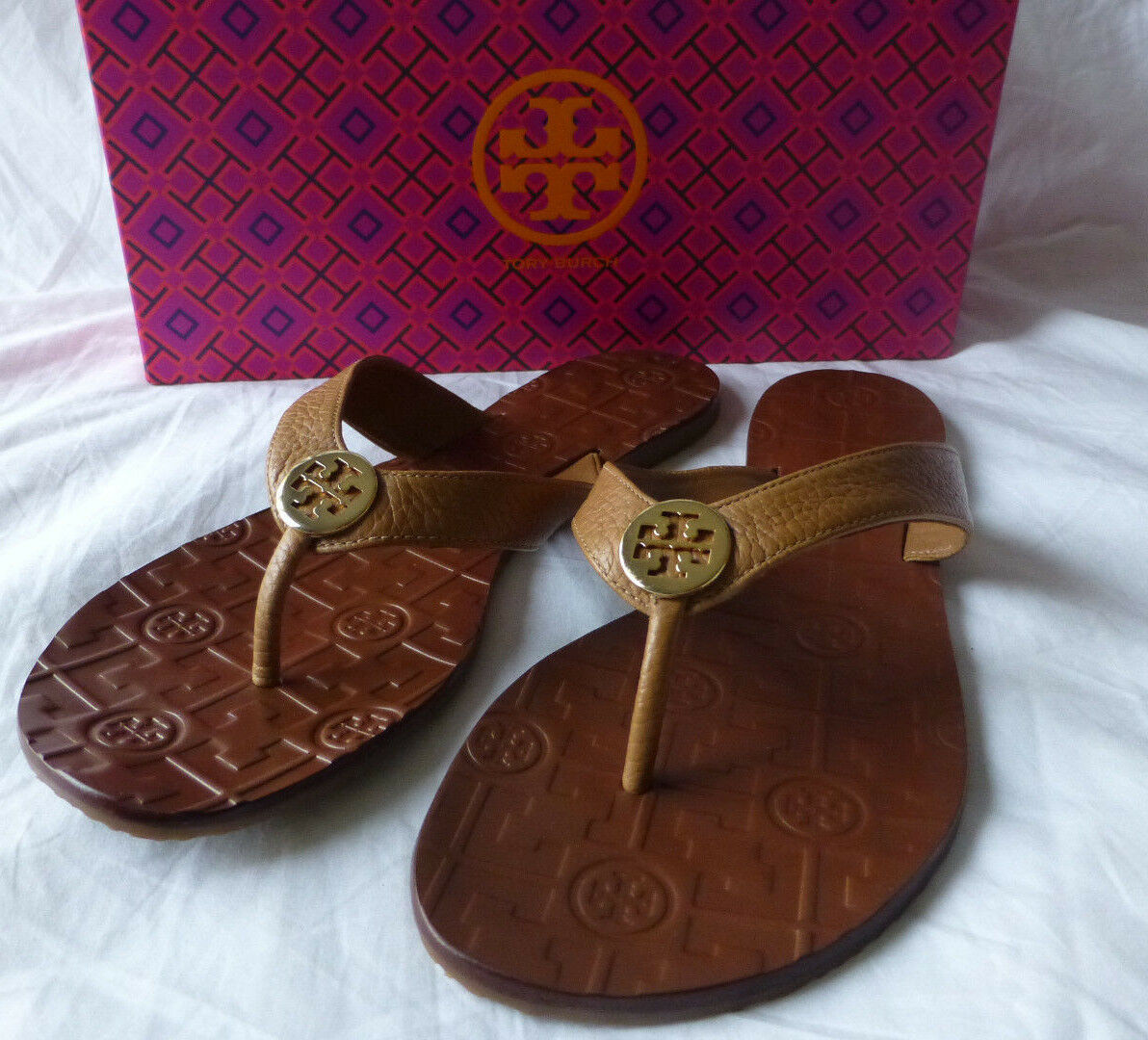 TORY BURCH Thora Royal Tan Gold Logo Tumbled Leather Size 9 New