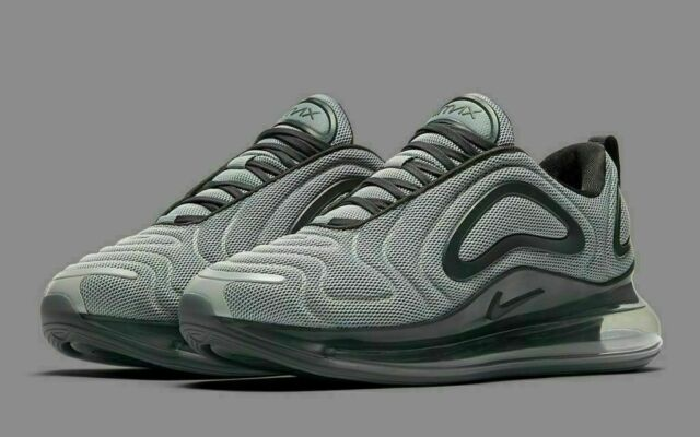 NIKE AIR MAX 720 $180 Men's Running shoes Authentic NEW AO2924 012 Grey Sz 8 12